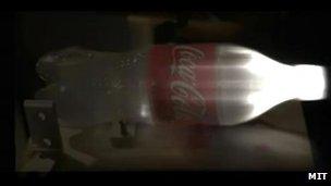 light-pulse-entering-bottle.jpg