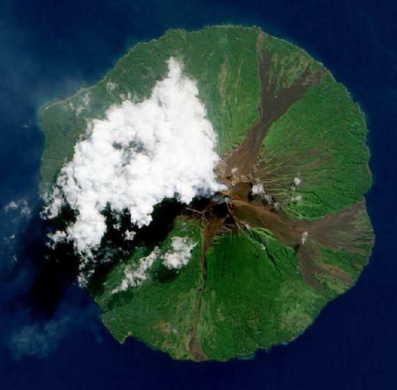volcanoes-space02.jpg