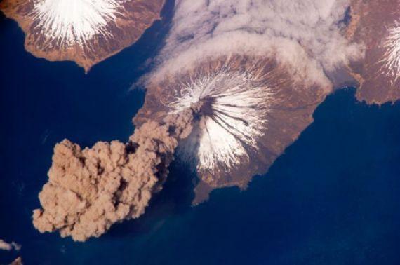 volcanoes-space14.jpg