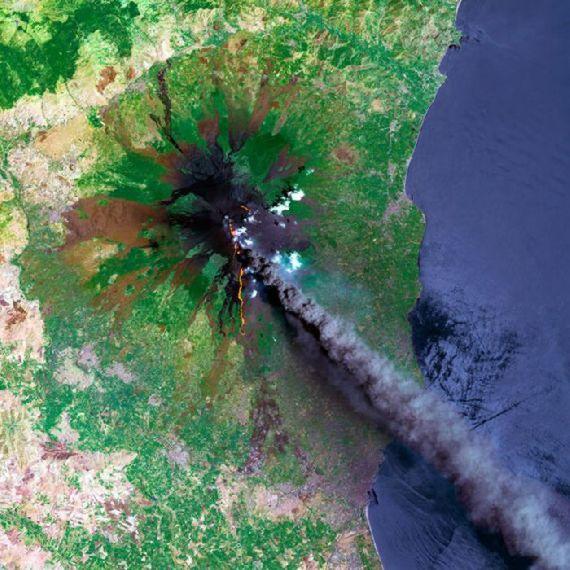 volcanoes-space17.jpg